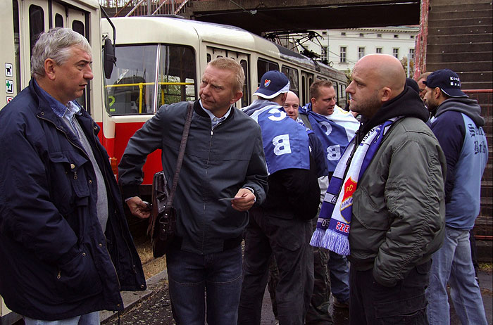 Hynek Cermák, Miroslav Donutil, and Miroslav Vladyka in 3+1 s Miroslavem Donutilem (2004)
