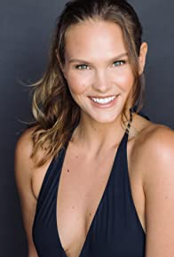 Primary photo for Cassandra Jean Amell