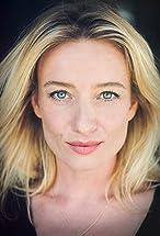 Karina Smulders's primary photo