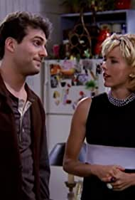 Téa Leoni and Jonathan Penner in The Naked Truth (1995)