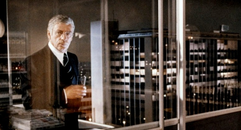 Yves Montand in I... comme Icare (1979)