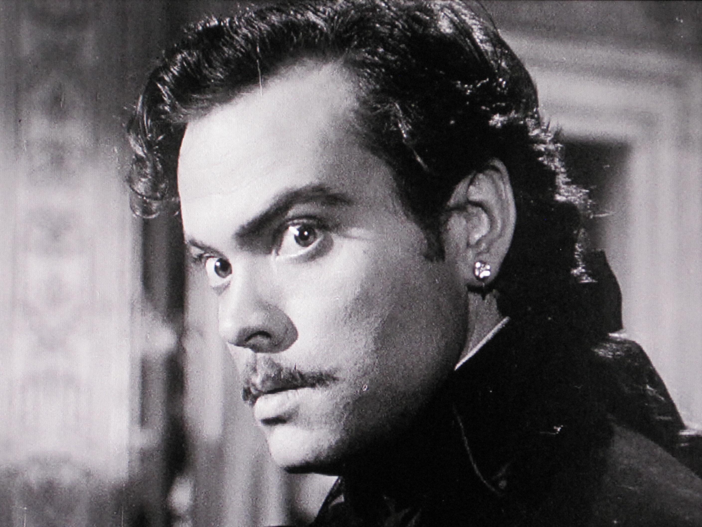 Orson Welles in Black Magic (1949)