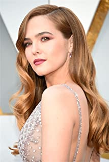 Zoey Deutch Picture