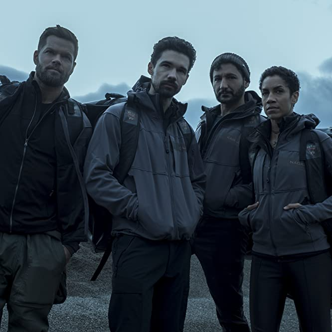 Cas Anvar, Wes Chatham, Steven Strait, and Dominique Tipper in The Expanse (2015)