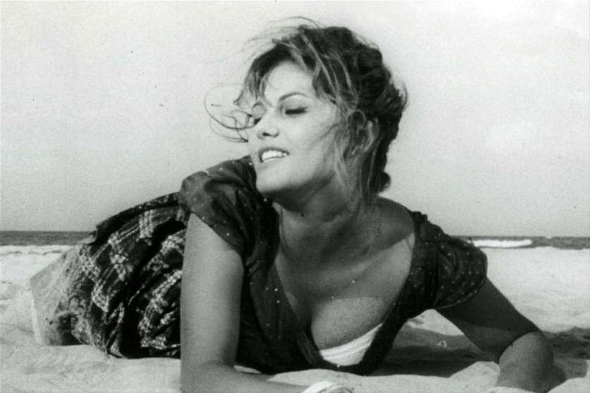 Claudia Cardinale in La ragazza con la valigia (1961)