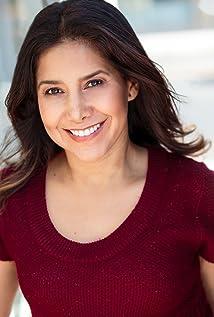 Liana Arauz Picture