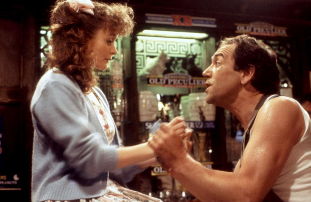 Cathryn Bradshaw and Robert Lindsay in Bert Rigby, You're a Fool (1989)