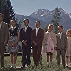 Henry Fonda, Maureen O'Hara, Veronica Cartwright, Kym Karath, James MacArthur, Rocky Young, Michael Young, Gary Young, Susan Young, Michele Daves, and Ricky Young in Spencer's Mountain (1963)