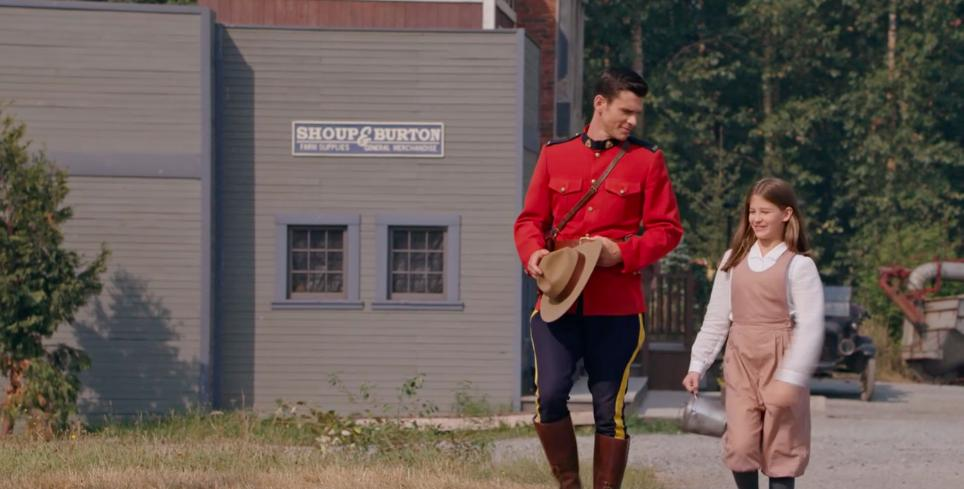 Kevin McGarry and Jaeda Lily Miller in When Calls the Heart (2014)