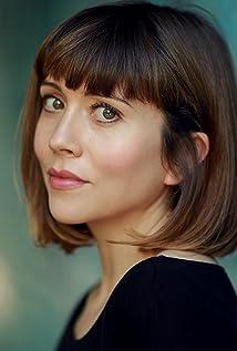 Laura Pyper Picture