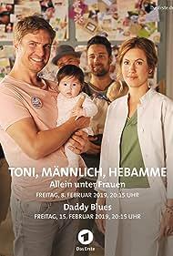 Wolke Hegenbarth and Leo Reisinger in Toni, männlich, Hebamme (2019)