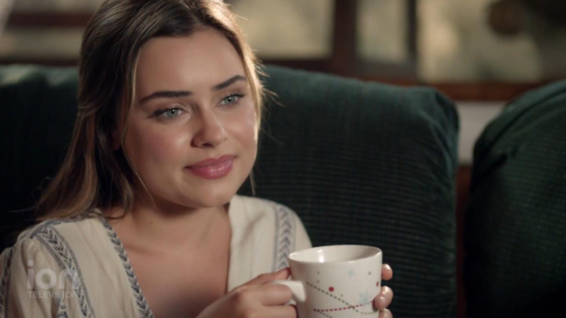 Nicolette Langley in Christmas Matchmakers (2019)