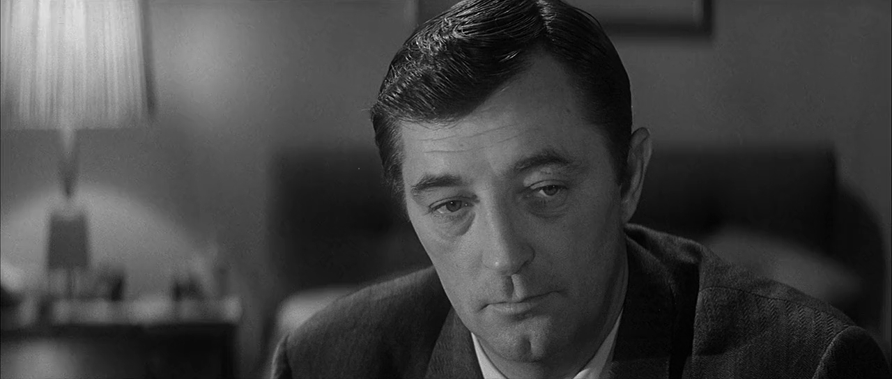 Robert Mitchum in Two for the Seesaw (1962)