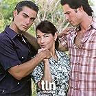 Ernesto D'Alessio, Silvia Manríquez, and Sebastián Rulli in Contra viento y marea (2005)