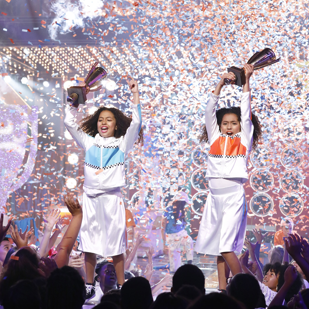 """Still of Anais Lee and Mirabelle Lee from Lip Sync Battle Shorties """"Twin Special"""" episode"""