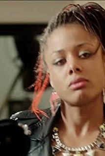 Nina Toussaint-White Picture