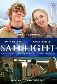 Juno Temple and Evan Peters in Safelight (2015)