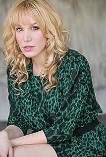 Sasha Perl-Raver Picture