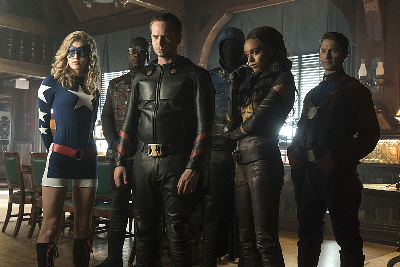 Kwesi Ameyaw, Matthew MacCaull, Dan Payne, Patrick J. Adams, Sarah Grey, and Maisie Richardson-Sellers in Legends of Tomorrow (2016)