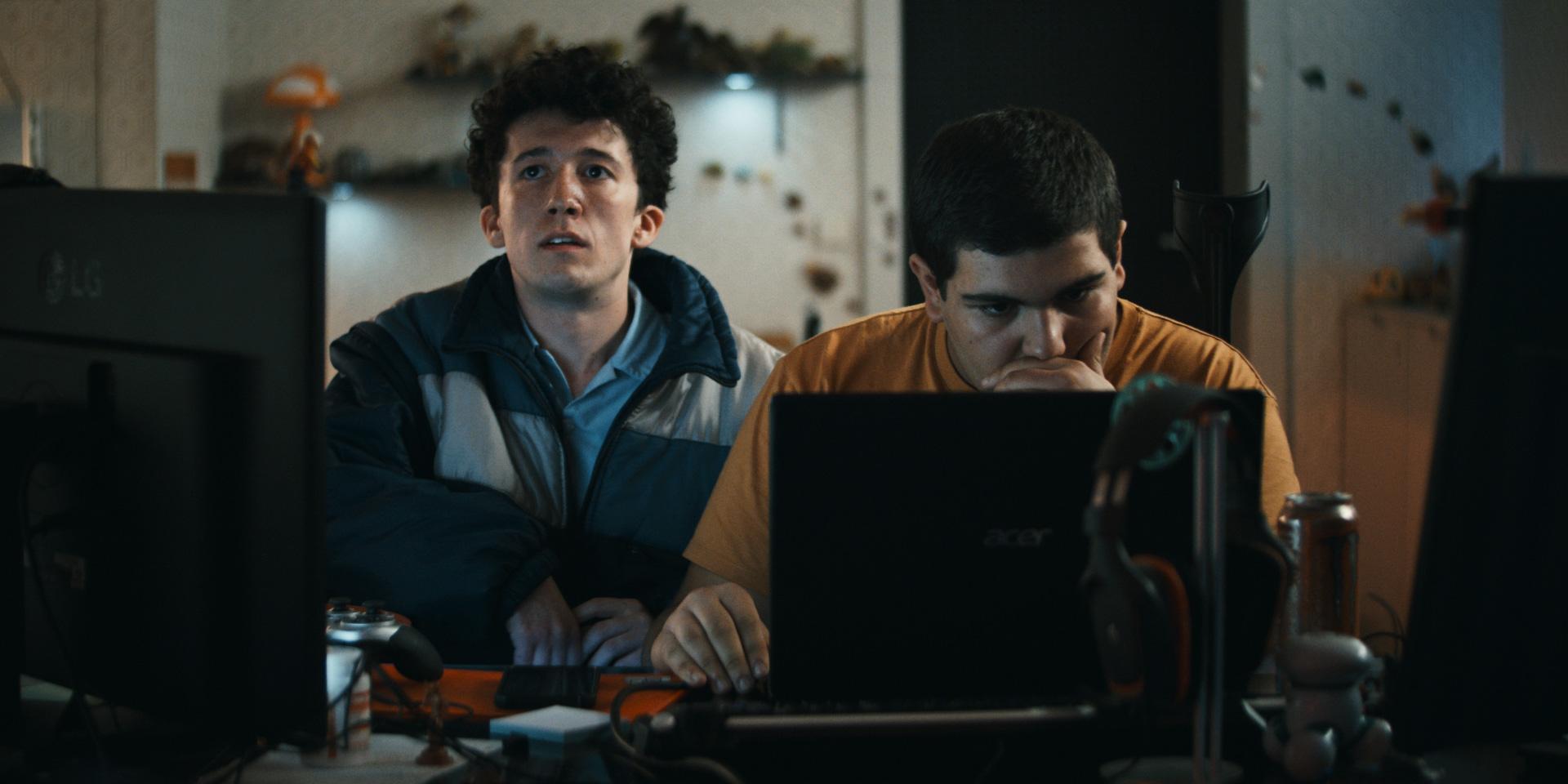 Maximilian Mundt and Danilo Kamperidis in Nerd Today, Boss Tomorrow (2019)