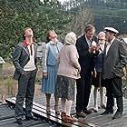 Nina Doroshina, Yanina Lisovskaya, Igor Lyakh, Aleksandr Mikhaylov, Lada Sizonenko, Natalya Tenyakova, and Sergey Yurskiy in Lyubov i golubi (1985)