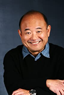 Clyde Kusatsu Picture