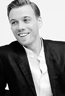 Jake Abel Picture