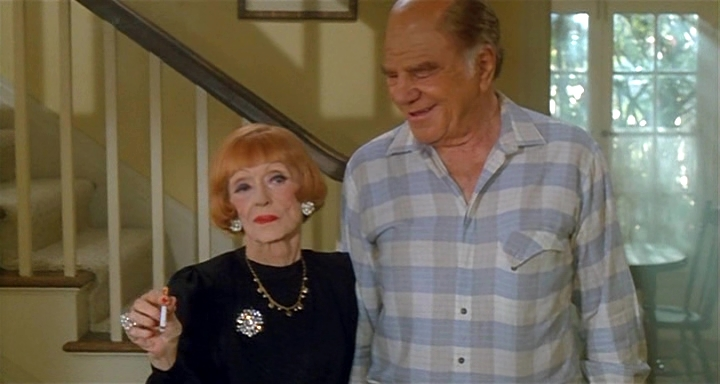 Bette Davis and Lionel Stander in Wicked Stepmother (1989)
