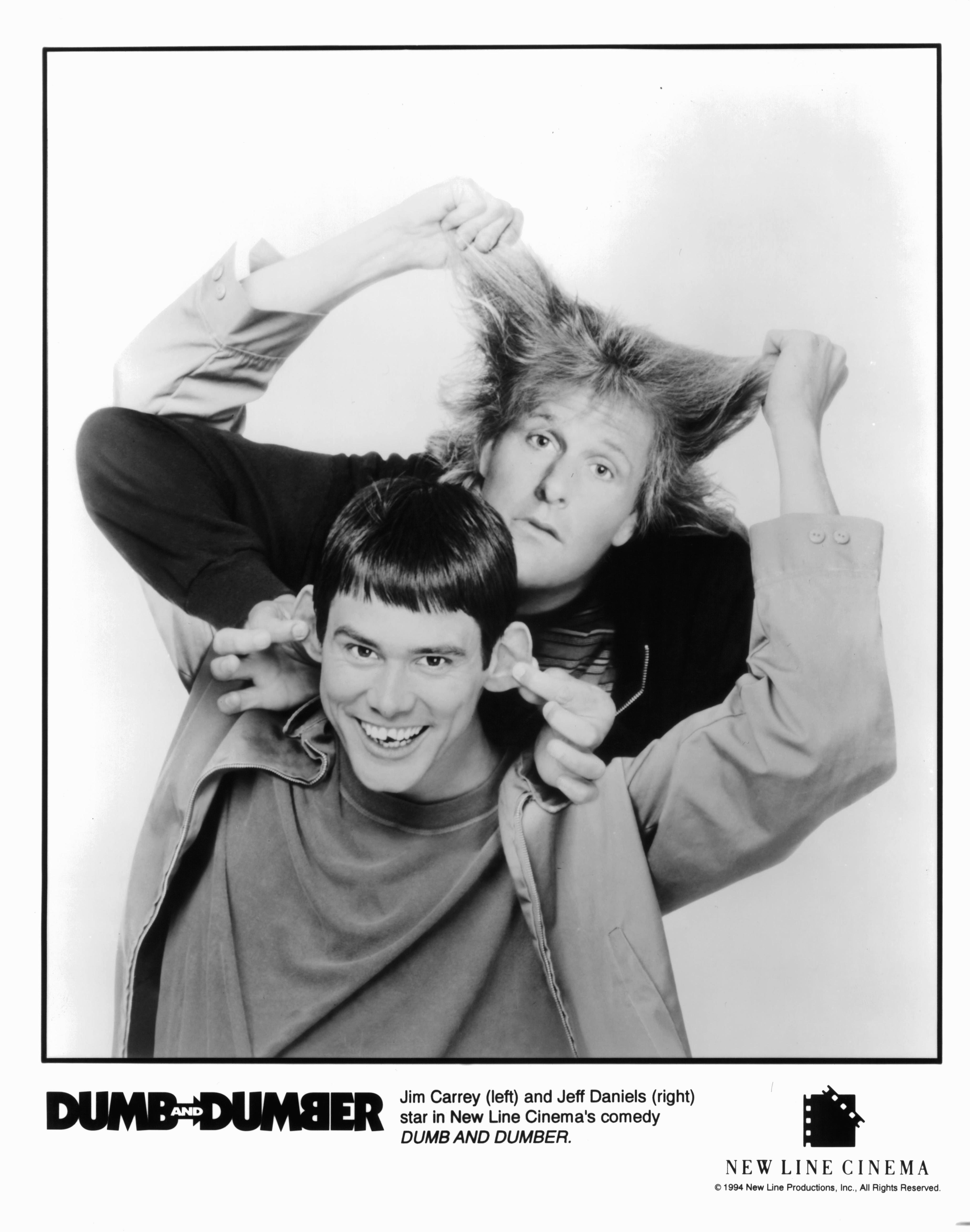 Jim Carrey and Jeff Daniels in Dumb and Dumber (1994)