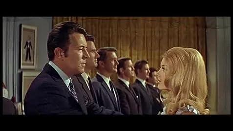 1967 казино рояль смотреть онлайн казино коррида херсон