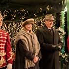 Sophie Ward and James Weber Brown in Picture Perfect Royal Christmas (2020)