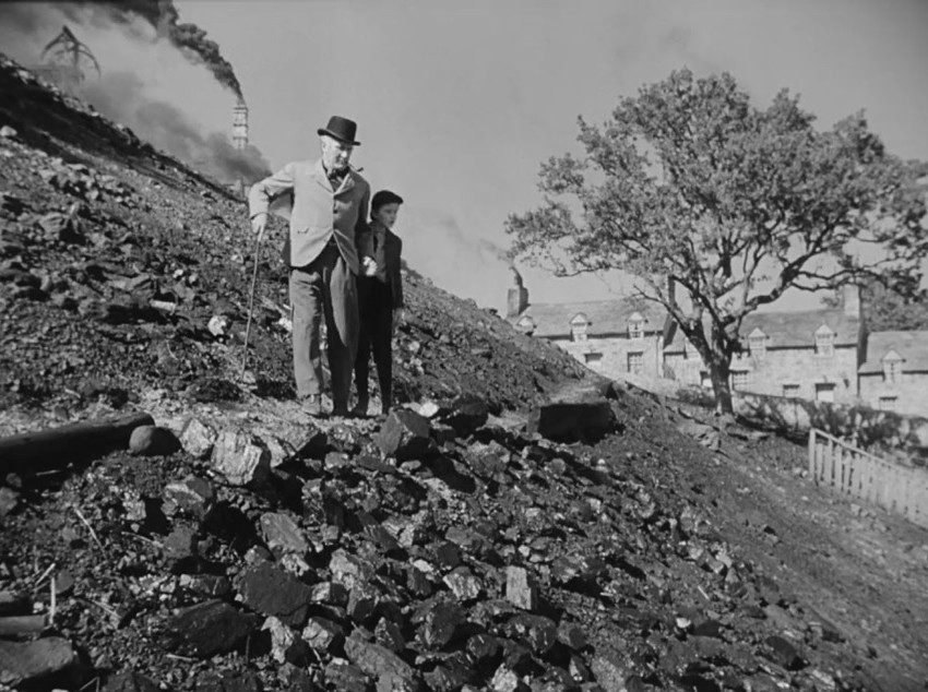 Roddy McDowall and Donald Crisp in How Green Was My Valley (1941)