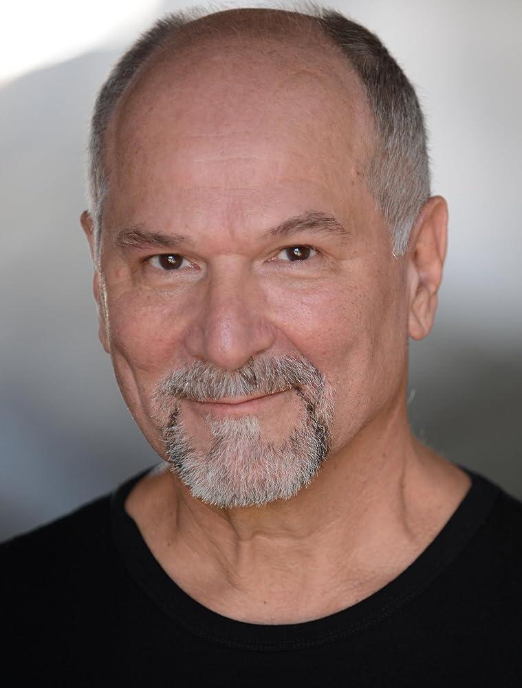 John Kapelos janitor