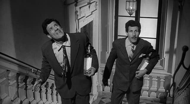 Franco Franchi and Ciccio Ingrassia in L'onorata società (1961)