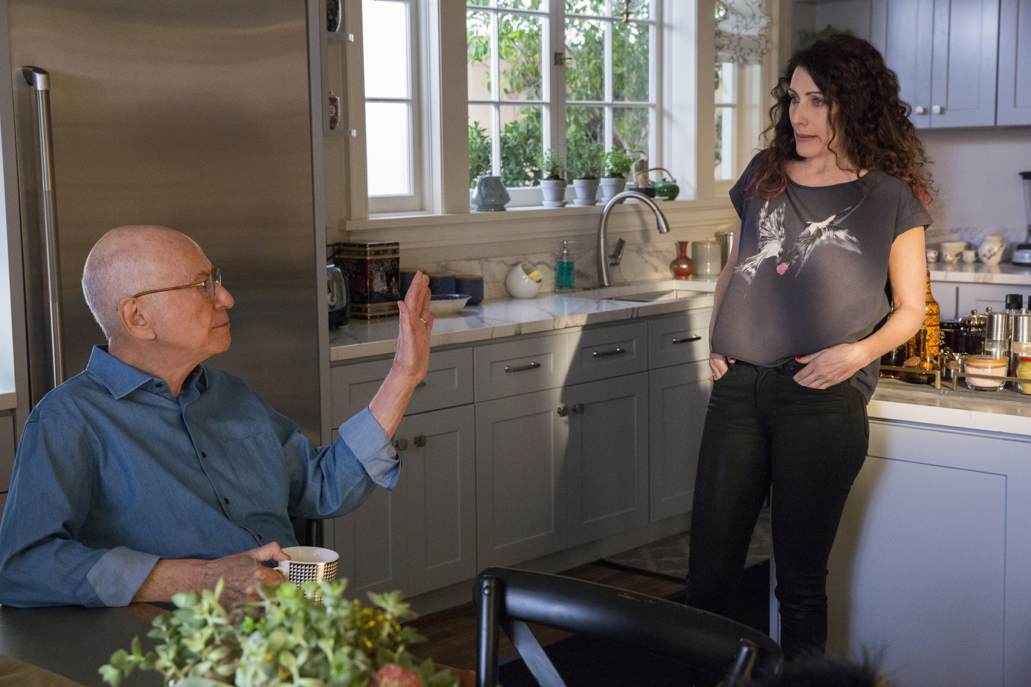 Alan Arkin and Lisa Edelstein in The Kominsky Method (2018)