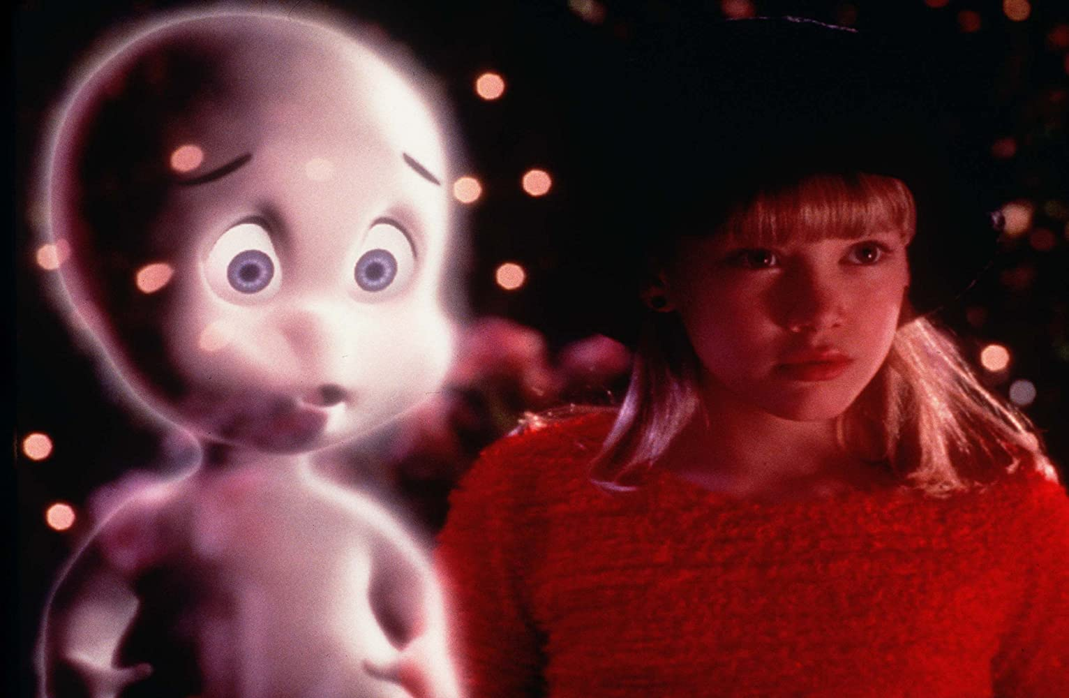 Hilary Duff and Jeremy Foley in Casper Meets Wendy (1998)