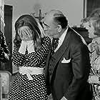Anna Fonsou, Alekos Tzanetakos, Marika Krevata, and Dionysis Papagiannopoulos in O apithanos (1970)