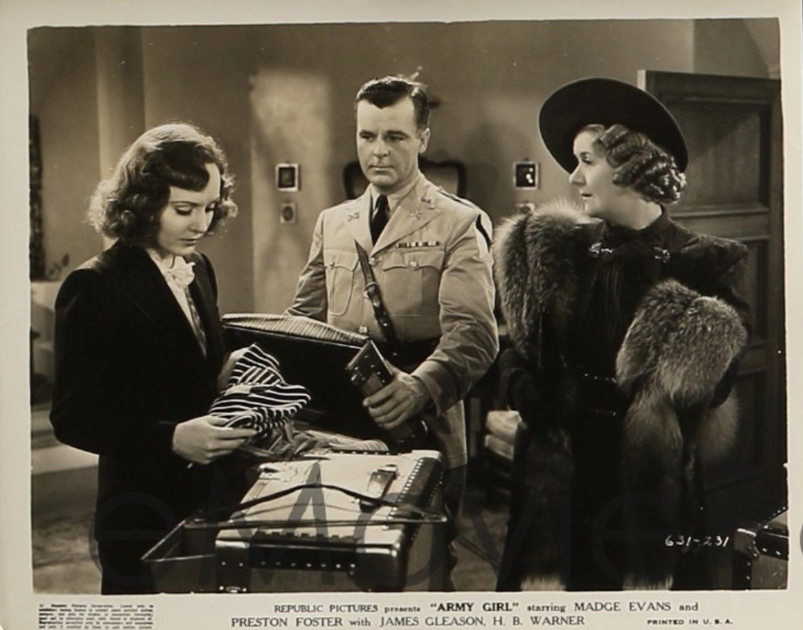 Ruth Donnelly, Madge Evans, and Neil Hamilton in Army Girl (1938)
