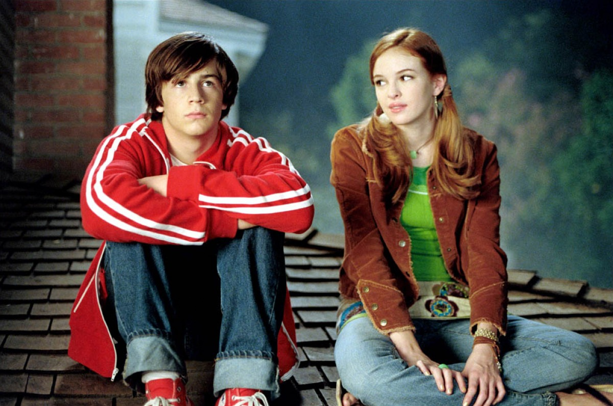 Michael Angarano and Danielle Panabaker in Sky High (2005)