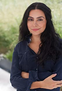 Liza Fernandez Picture
