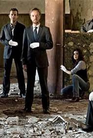 Eloy Azorín, Jordi Dauder, José Ángel Egido, José Luis García Pérez, Carlos Hipólito, Pilar Punzano, Jorge Roelas, Leticia Dolera, and Yolanda Ulloa in Guante blanco (2008)