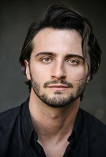 Lucas Salvagno Picture