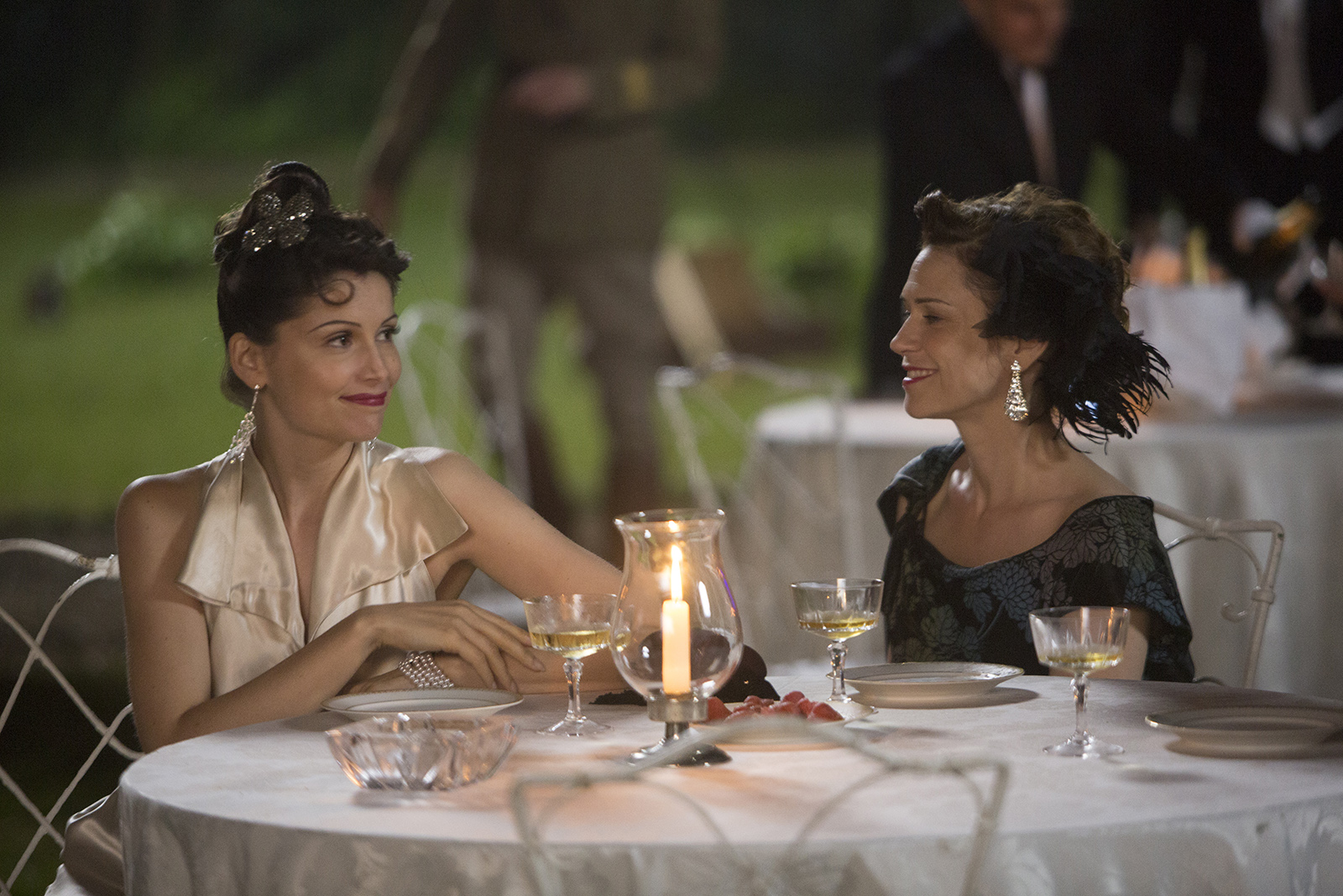 Laetitia Casta and Marie-Josée Croze in Arletty, une passion coupable (2015)