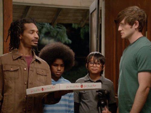 Eddie Steeples and Lucas Neff in Raising Hope (2010)
