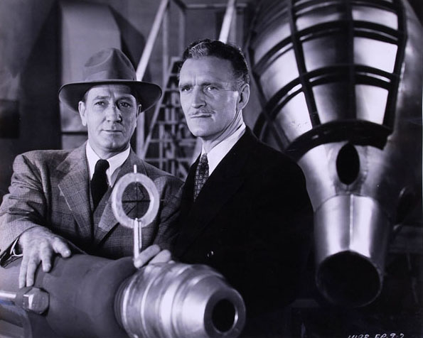 James Craven and Bud Geary in The Purple Monster Strikes (1945)
