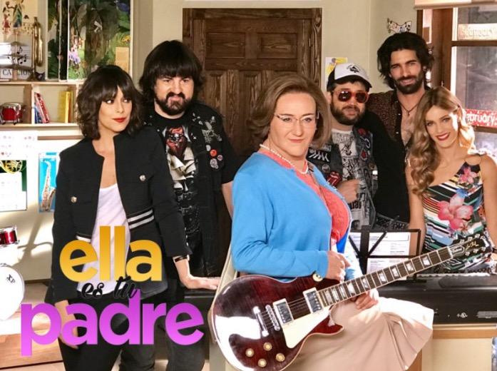 Carlos Santos, Belén Cuesta, Alejandra Onieva, and Rubén Cortada in Ella es tu padre (2017)