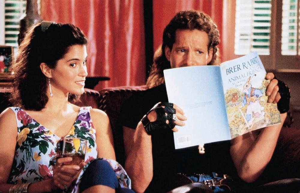 Jami Gertz and Steve Guttenberg in Don't Tell Her It's Me (1990)