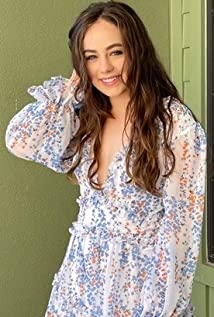 Mary Mouser Picture