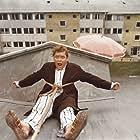 Dirch Passer in Støv på hjernen (1961)