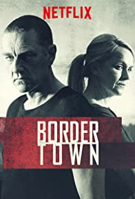 Primary photo for Bordertown